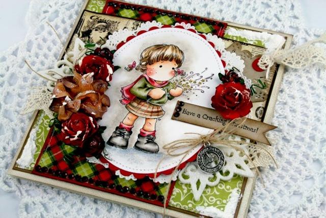 Claudia_Rosa_cracking Christmas_3