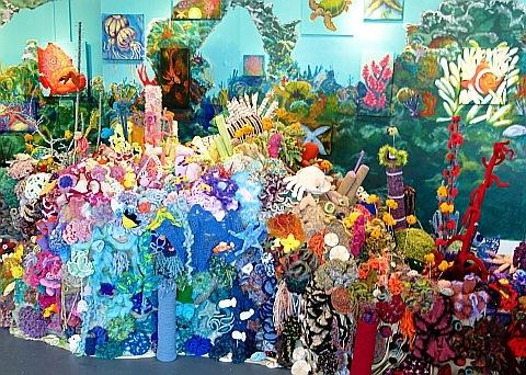 Вязанный тропический аквариум