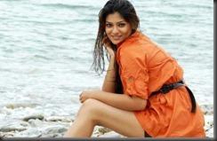 young-actress-siya-beach-pic