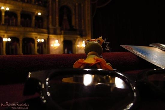 opera_20110907_surffia