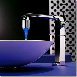 Modern-bathroom-faucet-and-vessel-sink