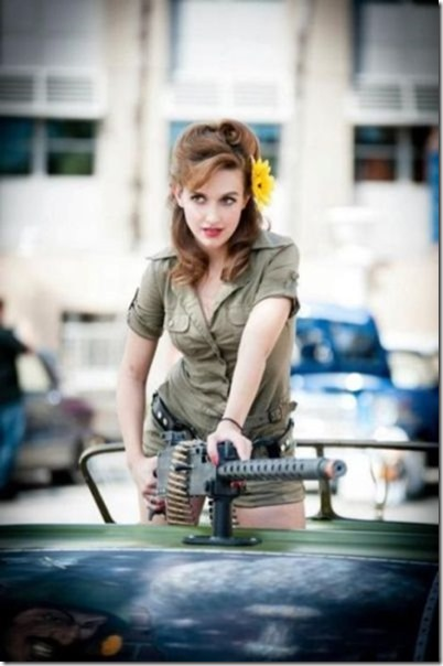 hot-women-guns-4