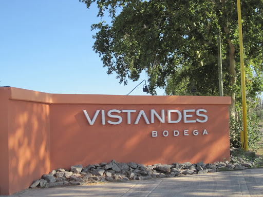 The entrance to Vistandes Bodega.