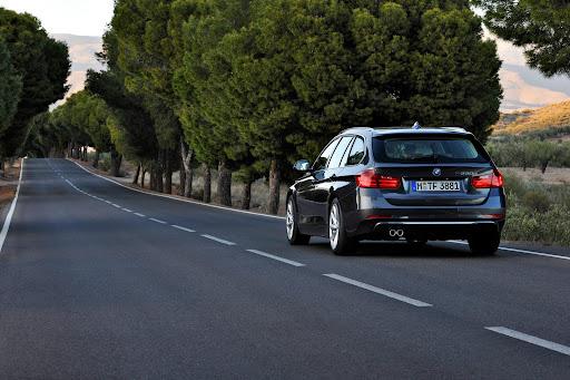 2013-BMW-3-Series-12.jpg