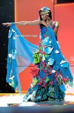 miss-uni-2011-costumes-24