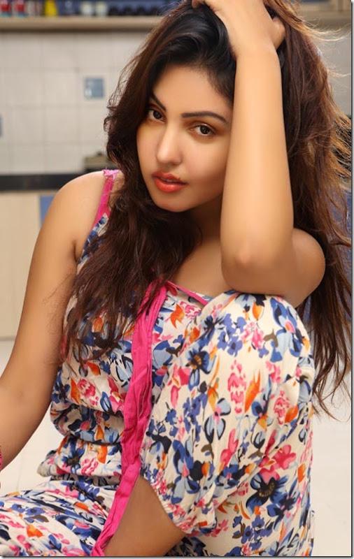 Komal Jha Latest Hot Photoshoot Pictures, Actress Komal Jha Hot Photo Shoot images