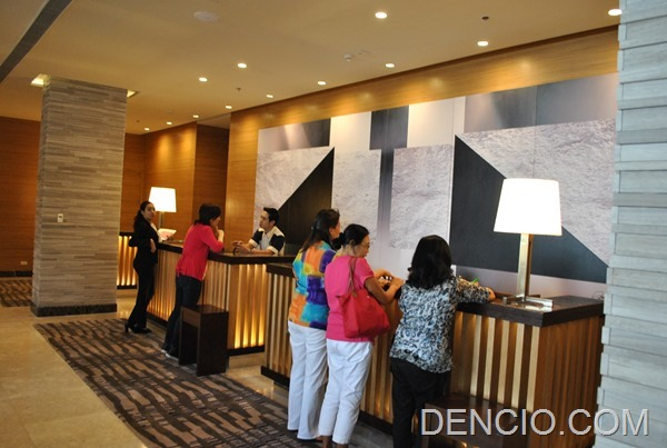 Holiday Inn & Suites Makati 21