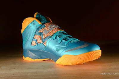 nike zoom soldier 7 gr turbo green 2 05 Release Reminder: Zoom Soldier VII Turbo Green / Atomic Mango