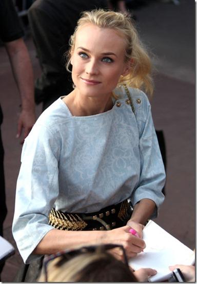 Diane Kruger Celebs TV show Le Grand Journal chj3je8_6w7l
