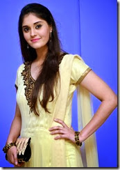 Surabhi_beautiful_photo