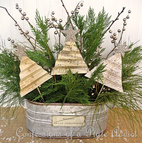 [CONFESSIONS%2520OF%2520A%2520PLATE%2520ADDICT%2520Shabby%2520Christmas%2520Centerpiece%255B7%255D.jpg]