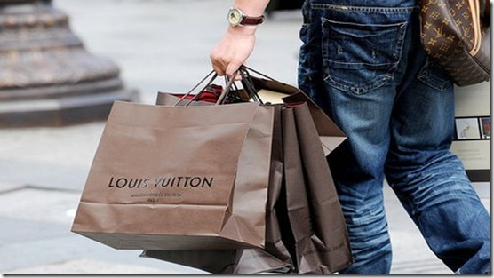 louis-vuitton-separate-with-comma-shopaholic-the-one-my-first-Favim_com-219870_large