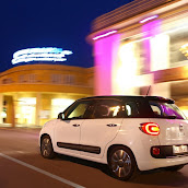 2013-Fiat-500L-MPV-Official-2.jpg