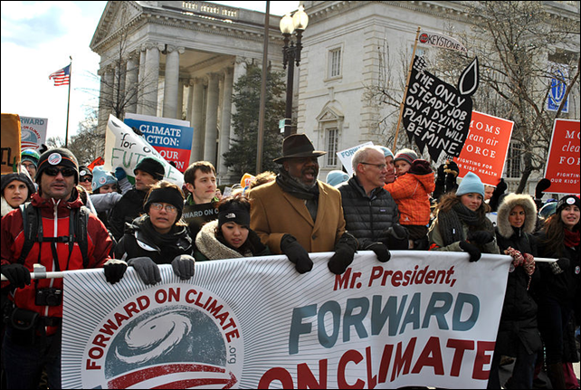 350.org Founder Bill McKibben (center with black jacket) at the Forward on Climate Rally in Washington DC, 17 February 2013. Photo: chesapeakeclimate / 350.org