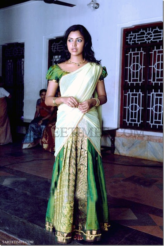 Amala_Paul_Half_Saree