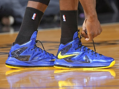 wearing brons nba lebron10 ps id draymond 02 Draymond Green Celebrates 50 Sellouts with new LEBRON iDs