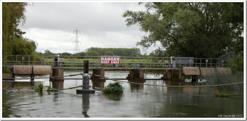 SAM_1271 Grafton Lock Weir
