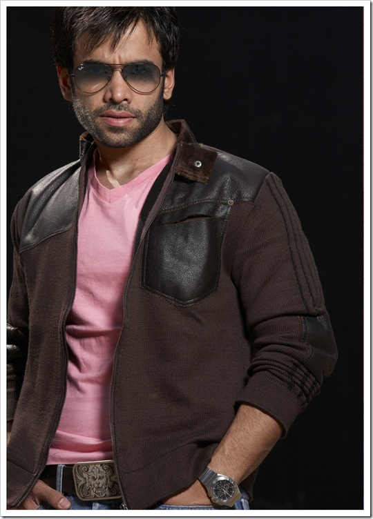 tusshar kapoor new wallpapers 2012