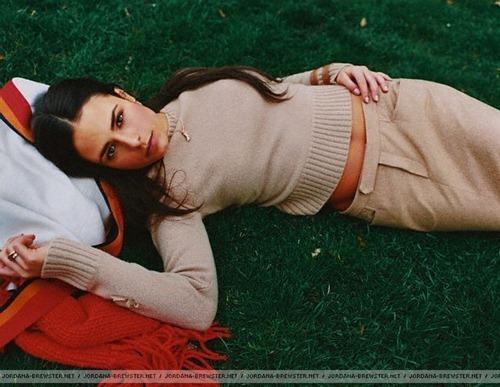 jordana brewster linda sensual photoshoot desbaratinando  (14)
