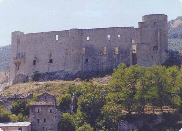 basilicata castello brienza