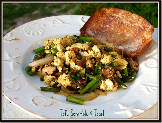 tofu scramble & toast