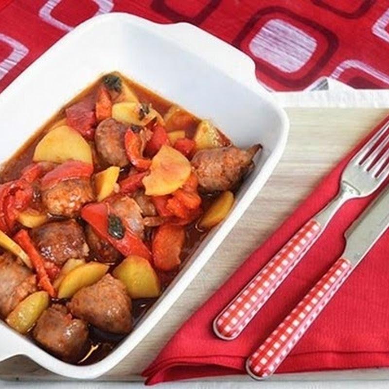 Λουκάνικο με πιπεριές και πατάτες