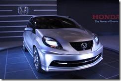 2011-Honda-Brio close up