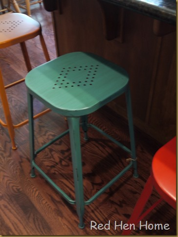 stools, guest chalet 007