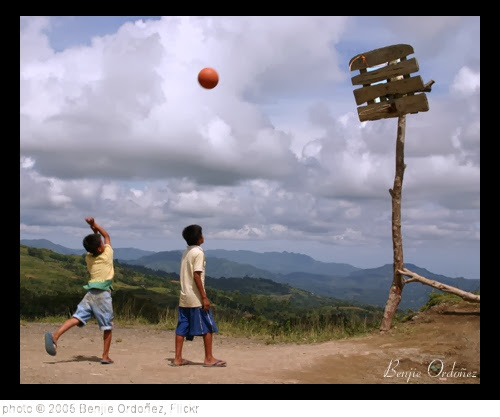 'Basketball #3' photo (c) 2005, Benjie Ordoñez - license: http://creativecommons.org/licenses/by-nd/2.0/