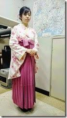 さくら色の袴姿で卒業式に (2)