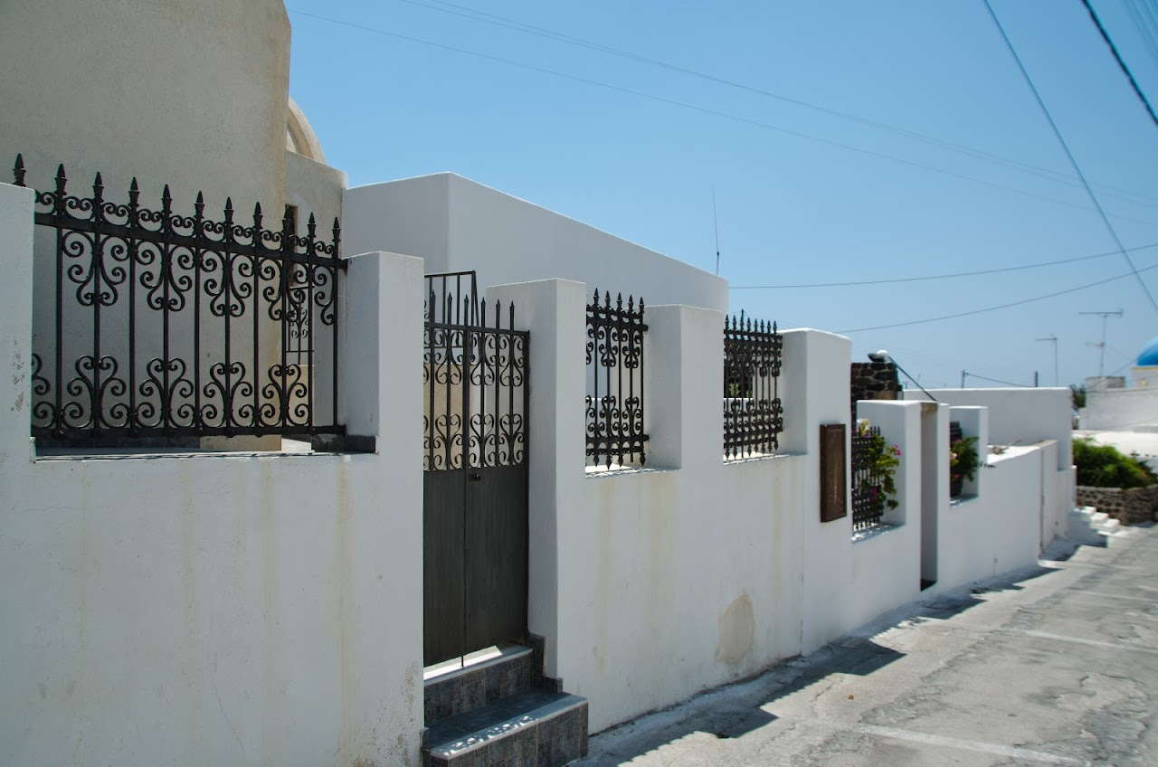 Gates in Santorini