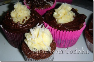 Cupcake de Chocolate com Morango1c