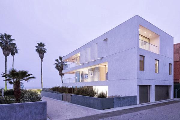 Casa flip flop dise o minimalista frente al mar dan for Disenos de casas actuales
