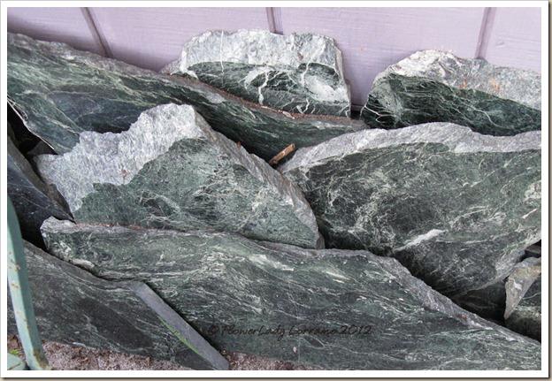 12-26-serpentine-marble
