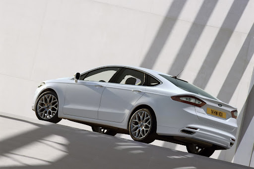 2013-Ford-Mondeo-10.jpg
