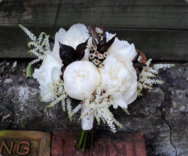 384762_317368514943541_130855983594796_1446341_1428730300_nrebecca shepherd floral design