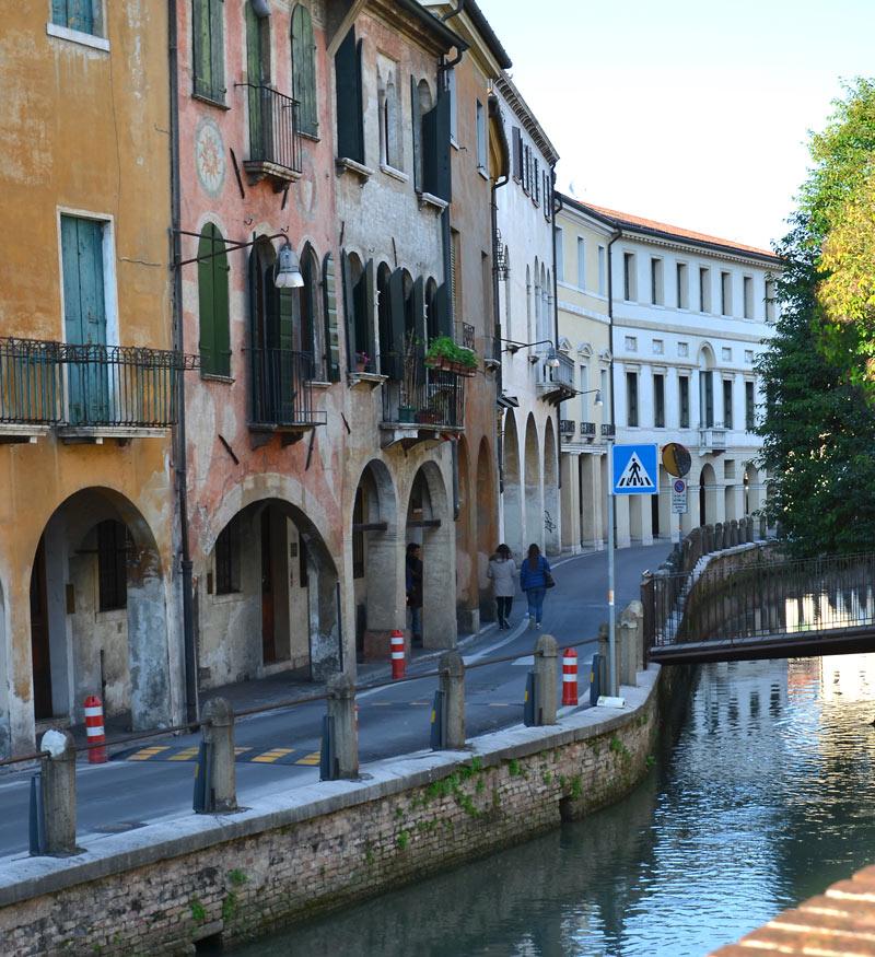Via Roggia 10