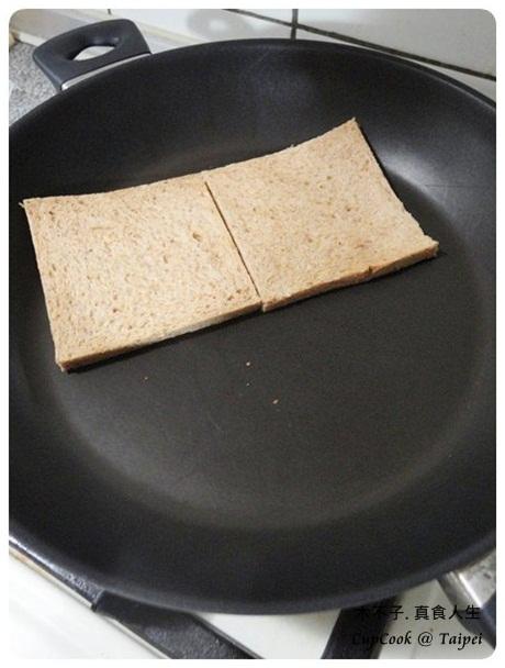 煎蛋起司三明治 egg sandwich (1)