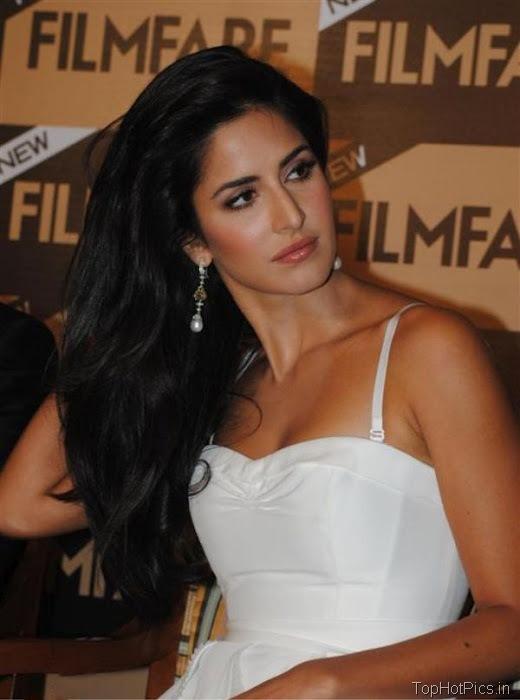 Katrina Kaif Navel Show Pics in White Dress 7