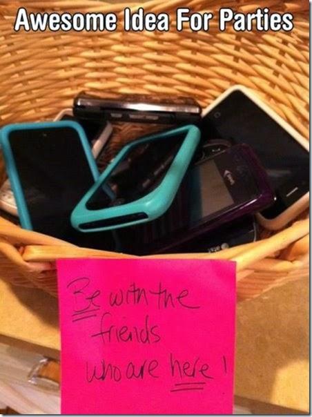 cell-phones-everywhere-022