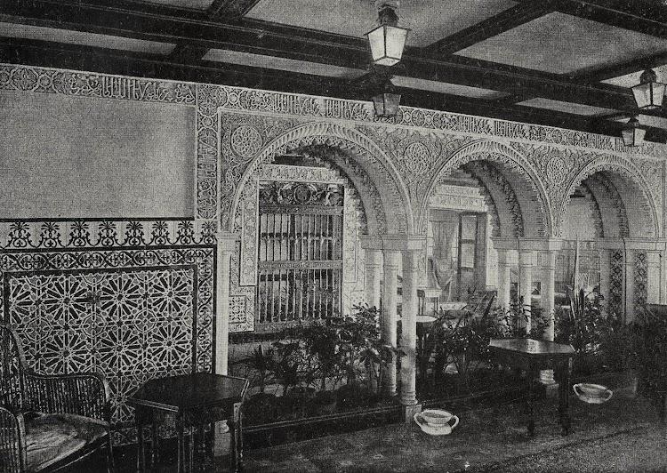 Vapor HABANA. Jardín de Invierno. Foto del LIBRO DE INFORMACIÓN PARA EL PASAJERO. COMPAÑÍA TRASATLANTICA DE BARCELONA. AÑO 1931-1932.jpg