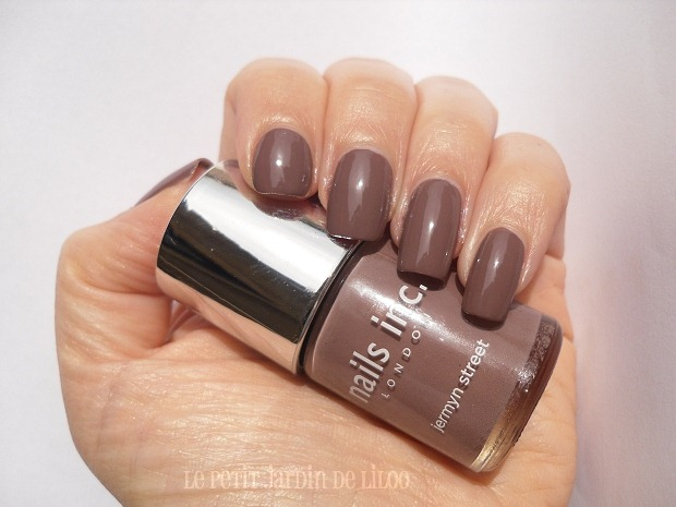 002-jermyn-street-nails-inc-review-swatch