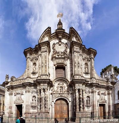 Quito-que-ver-hacer-visitas-imprescindibles-un-dia-unaideaunviaje-1.jpg
