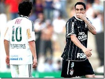 Valdivia-Chicao-Palmeiras-Corinthians-Eduardo_LANIMA20110829_0006_42