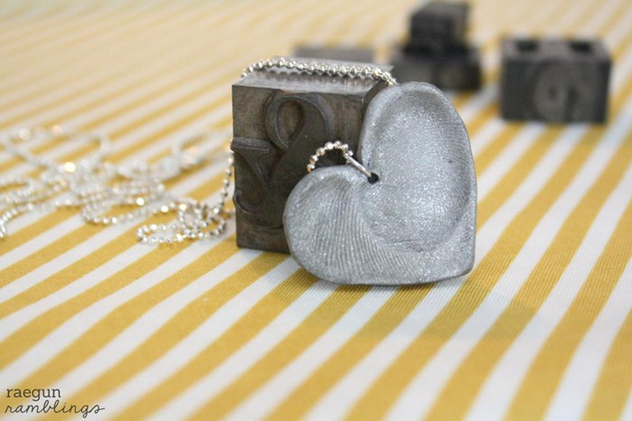 DIY Heart Fingerprint Necklace by Raegun Ramblings
