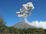 Semeru erupting (Wolfgang Piecha, June 2007)