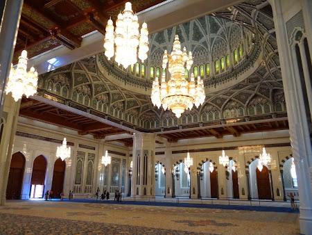 09. Sultan Qaboos Mosque - Muscat.JPG