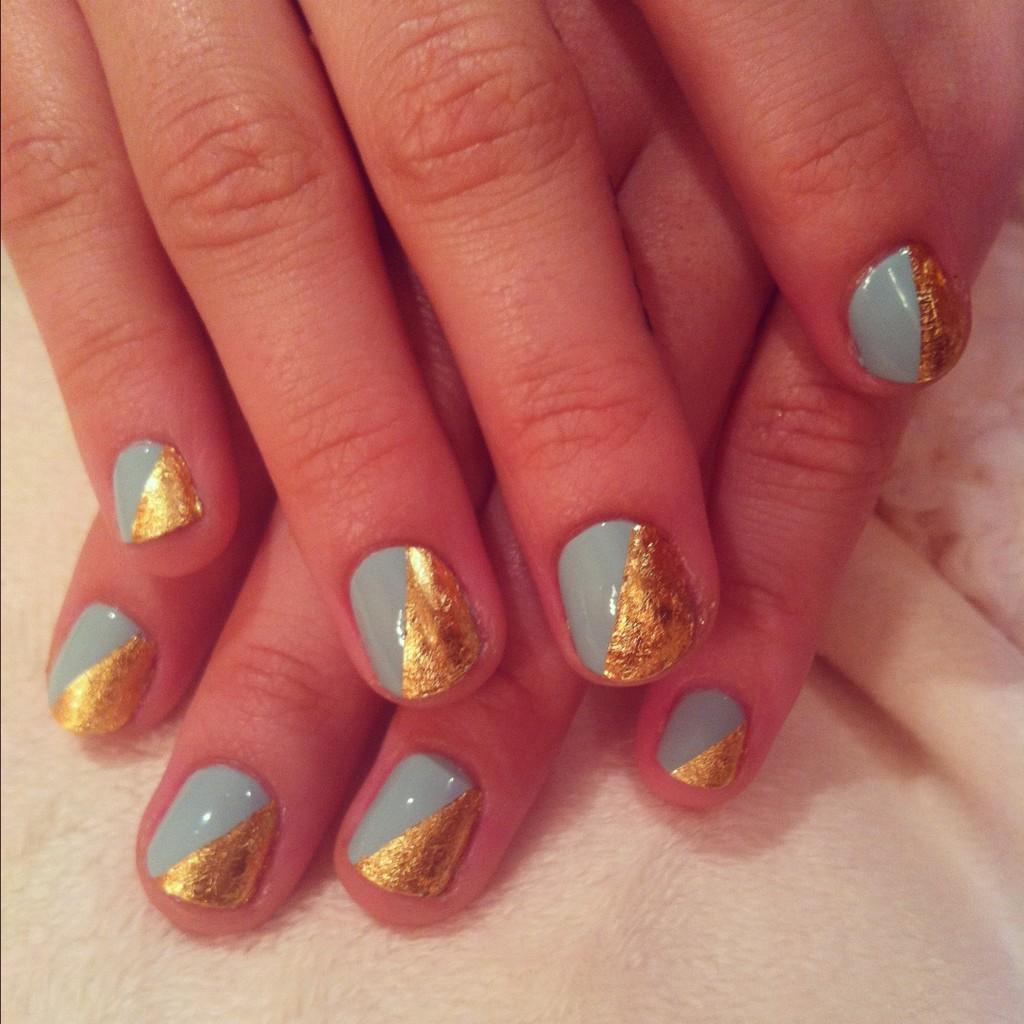nails: Demi lovato\'s cool nail design!!!!