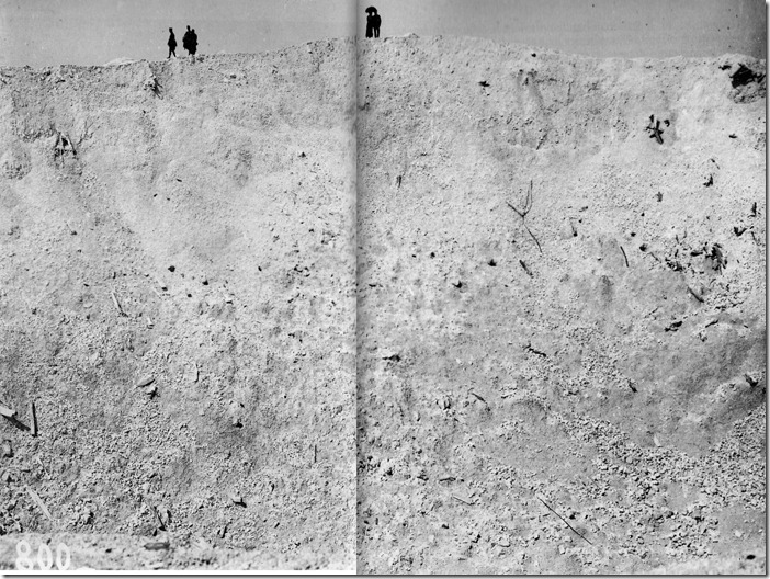 Le cratre de La Boisselle photographi par Lon Jost en 1919. Les 27 tonnes d'explosifs propulsrent les dbris jusqu' 1200 m d'altitude