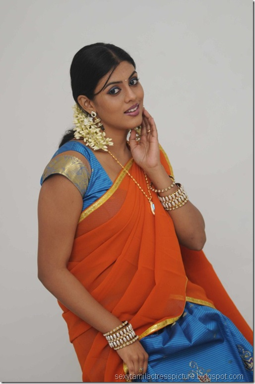 vaagai_sooda_vaa_Iniya_in_Half_Saree_Photo_04